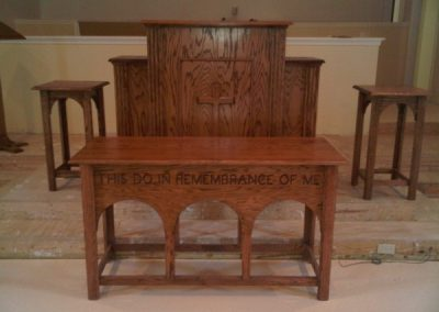Michael_Pulpit_Arched_table