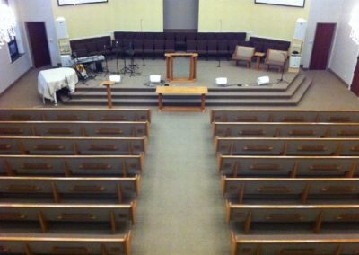 OrONy-tYurR-qvsNy-church_pew5