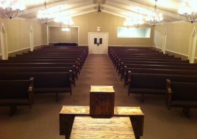 PrudO-lnRlH-MntSU-church_pews_9
