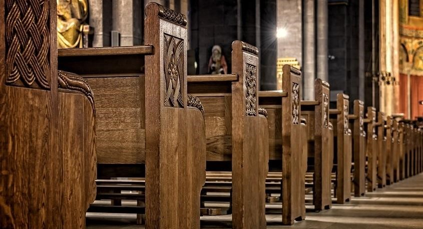What to Consider When Purchasing Church Furniture